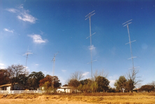 Photo of W5KFT Ranch Station Towers